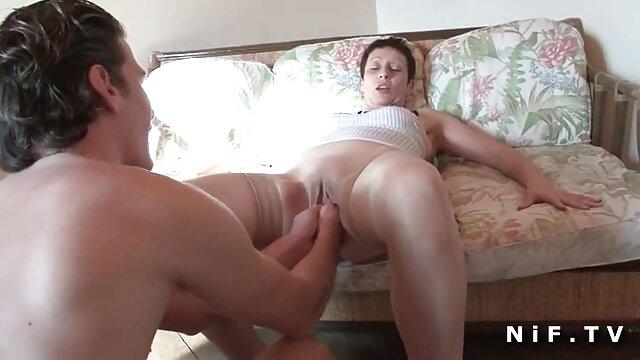 Olivia video hard lesbiche gratis e Abigail fine il estate con alcuni lesbica